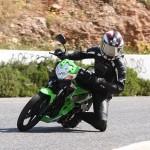Kawasaki-athlete-125-podczas-jazdy-700x450