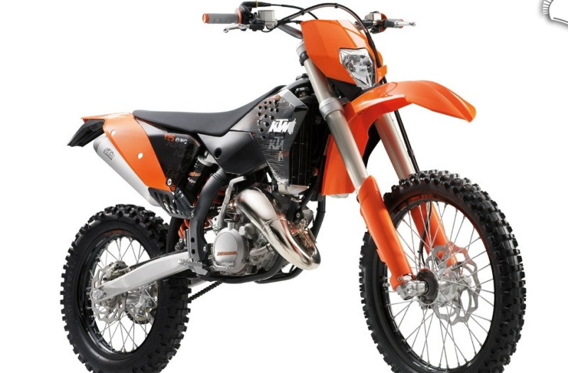 ktm 125 exc nowoczesne enduro 125. Black Bedroom Furniture Sets. Home Design Ideas